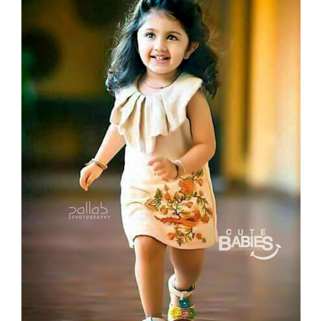 Indian_Baby_girl_images_04_my_baby_smiles_in