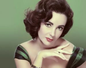 Elizabeth-Taylor-one-of-the-most-beautiful-every-green-beuty-in-world